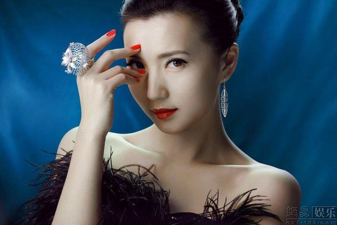 Vẻ đẹp vạn người mê ở tuổi 38 của diễn viên Như ý, Cát Tường - ảnh 9