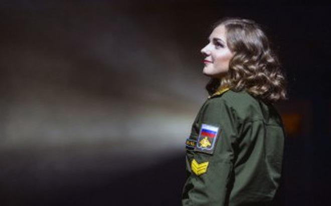 Dàn gái xinh các trường quân sự Nga đua nhau thi sắc đẹp