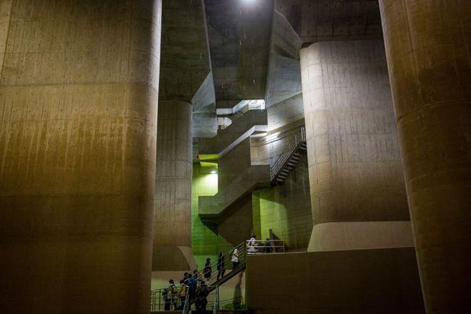 Giải mật cống ngầm lớn nhất thế giới ở Nhật, siêu bão mưa 3 ngày liền cũng không ngập - Ảnh 15.