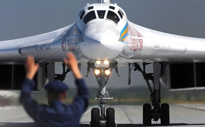 Tài phiệt Trung Đông chơi trội: Mua máy bay ném bom chiến lược Tu-160 làm phi cơ riêng!