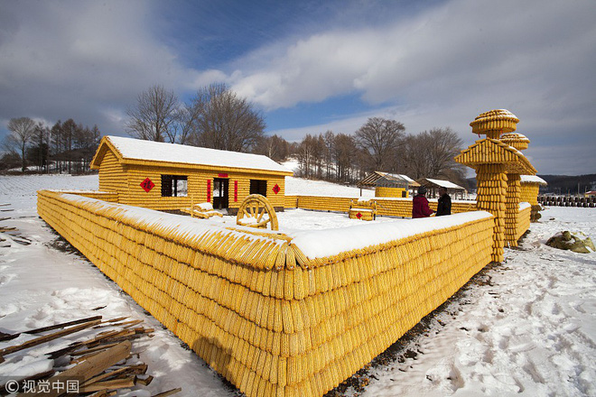7 ngày qua ảnh: Ngôi nhà được làm từ toàn bắp ngô ở Trung Quốc - Ảnh 4.