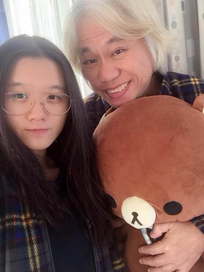 Nhạc sĩ Đài Loan bị chế nhạo vì tự tin nói có thể nuôi bạn gái kém 39 tuổi cả đời - Ảnh 1.