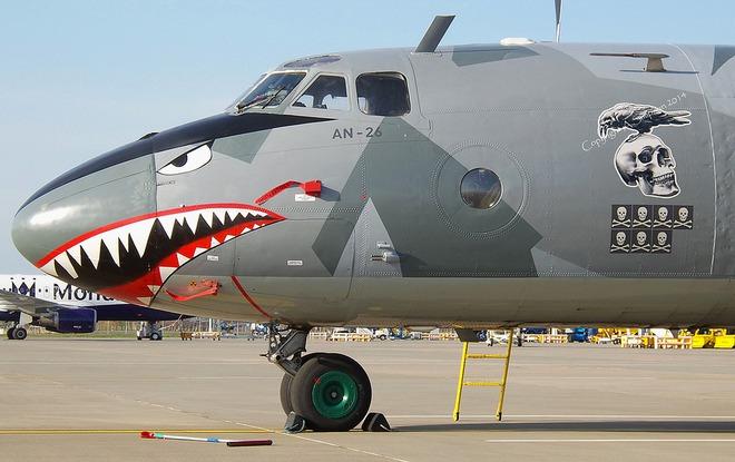 Việt Nam có nên sơn Hàm cá mập cho An-26 như chiếc máy bay này? - Ảnh 5.