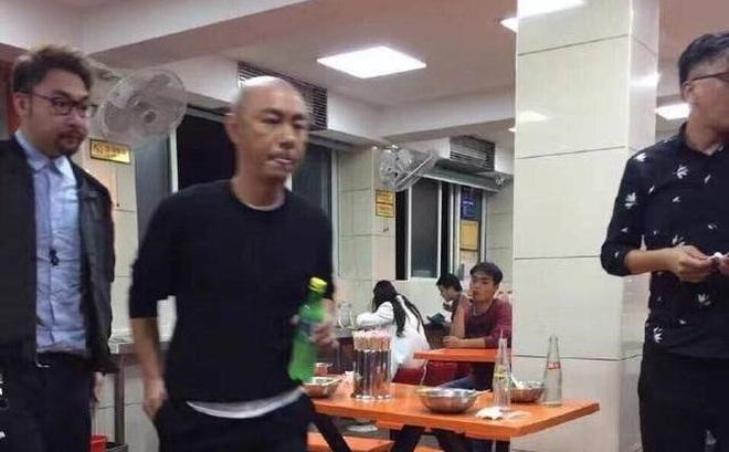 Trương Vệ Kiện ở tuổi 52: Xuất hiện nhưng không ai nhận ra