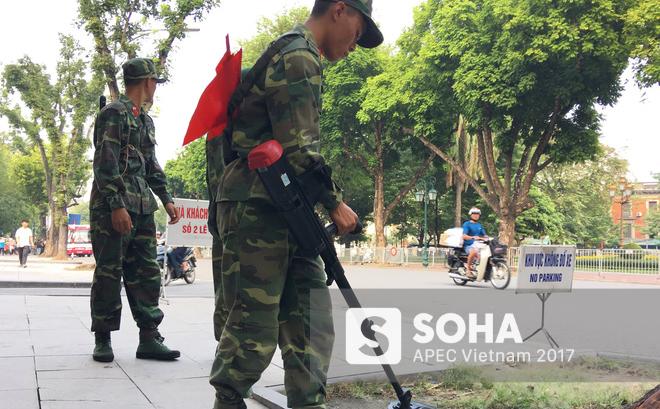 [ẢNH] Hà Nội khẩn trương chuẩn bị công tác an ninh đón Tổng thống Mỹ Donald Trump