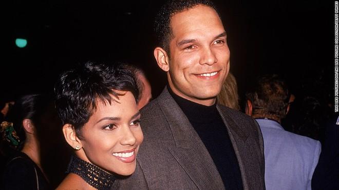 Cuộc đời nhiều nước mắt của nữ chính da màu đầu tiên đoạt giải Oscar - Ảnh 7.