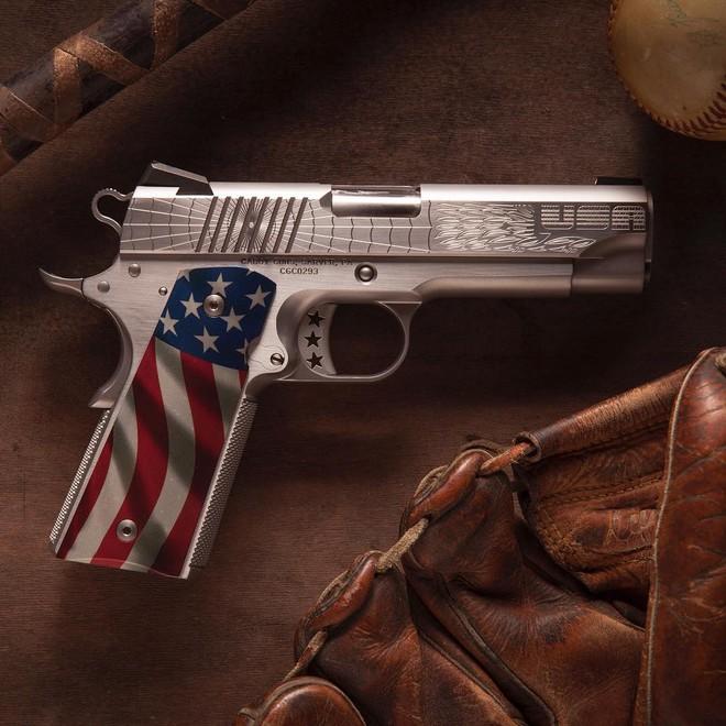 Cabot Guns TRUMP 45 - Súng lục phủ vàng chào mừng vị Tổng thống thứ 45 của Hoa Kỳ - Ảnh 3.