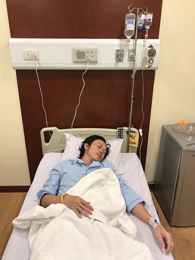 Hoài Linh nhập viện khẩn cấp, buộc phải tạm ngừng liveshow - Ảnh 1.