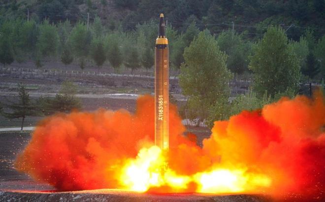 Điểm yếu chí tử khiến tên lửa Triều Tiên có thể bị bắn rơi dễ dàng ngay khi rời bệ phóng