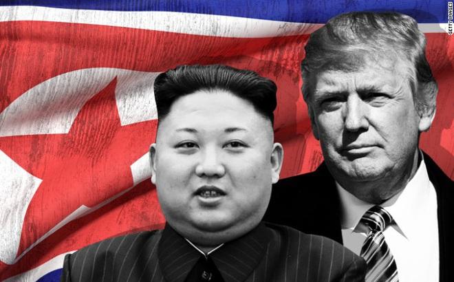 """""""Chữa cháy"""" ở Triều Tiên: Bộ trưởng Quốc phòng Mỹ dùng nước, Tổng thống Mỹ dùng xăng"""
