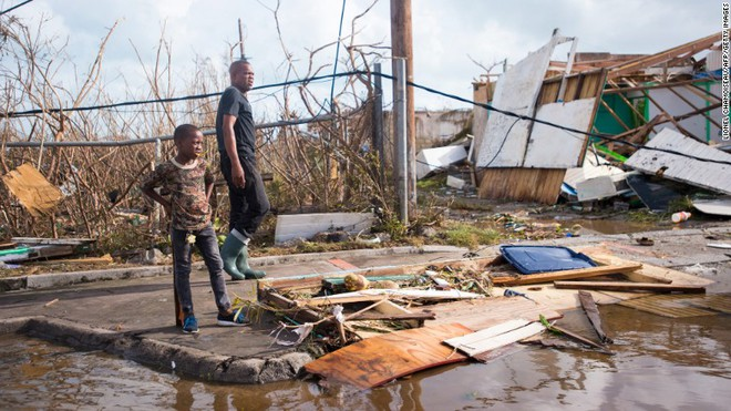 Siêu bão Irma đổ bộ như thước phim kinh dị, thổi bay nhà tù, hơn 100 tù nhân trốn thoát - Ảnh 3.