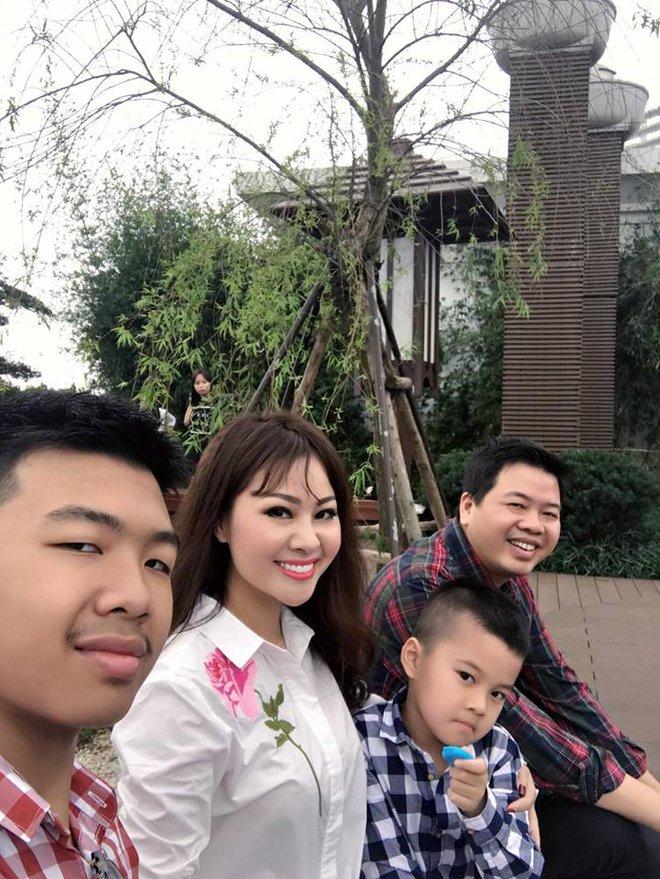 Chân dung người vợ xinh xắn ít biết của ca sĩ Đăng Dương - Ảnh 12.