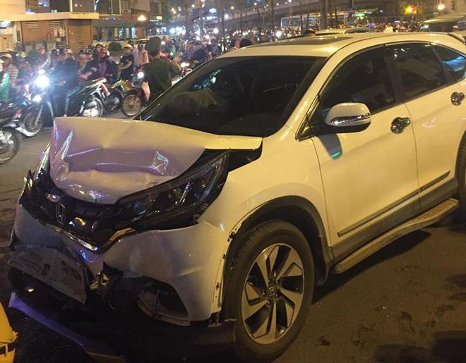 Hà Nội: Tai nạn liên hoàn, nam thanh niên đi xe SH gãy cổ - Ảnh 1.