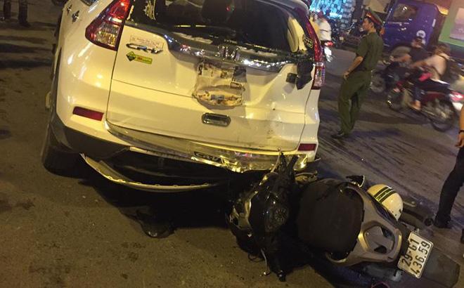 Hà Nội: Tai nạn liên hoàn, nam thanh niên đi xe SH gãy cổ