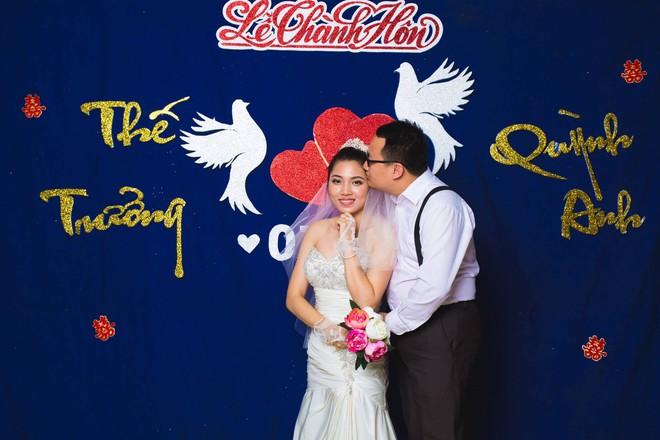 Bộ ảnh 100 năm đám cưới Việt Nam khiến người xem vừa lạ vừa quen 12