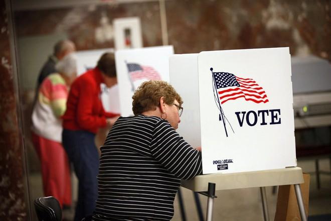 Học giả Mỹ: Để khắc phục sự can thiệp của Nga, nên bầu cử lại - Ảnh 1.