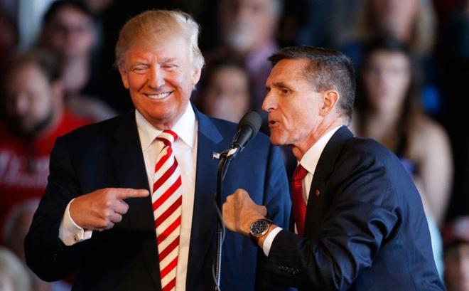 """Cố vấn an ninh từ chức, những ngày đau đầu với """"mớ bòng bong"""" của Trump mới bắt đầu"""