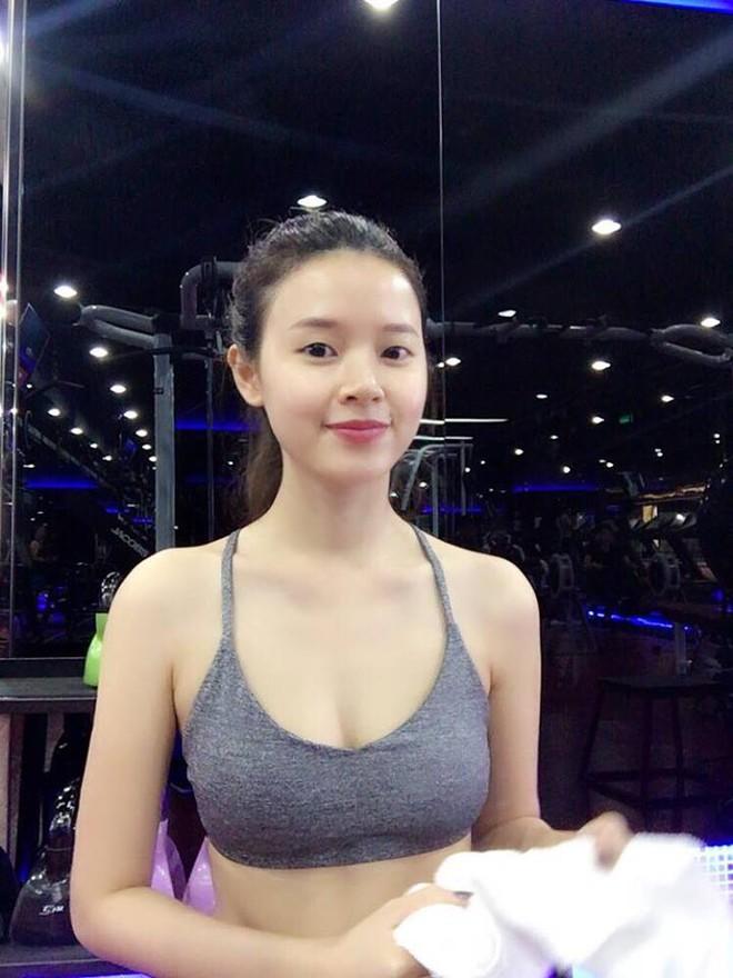 Bất ngờ với hình ảnh sexy của hot girl Midu  - Ảnh 2.