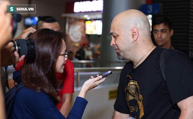 Rời Việt Nam, Flores nói gì về chuyện tới võ đường của Cung Lê?
