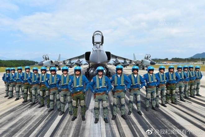 Trung Quốc đe dọa quốc gia nào ở Biển Đông khi cho JH-7 trình diễn Voi đi bộ? - Ảnh 4.