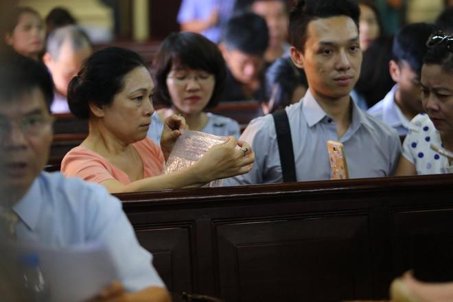 Vụ án Phương Nga: Người đàn bà tên Nguyễn Mai Phương sẽ xuất hiện tại tòa? - Ảnh 2.