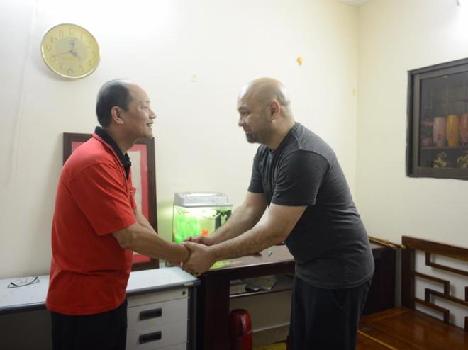 Những hành động đẹp khiến Flores nhận được nhiều thiện cảm ở Việt Nam - Ảnh 5.