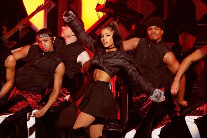Ariana Grande sắp đến Việt Nam: Dõi theo Yamaha Grande để săn được vé miễn phí - Ảnh 2.