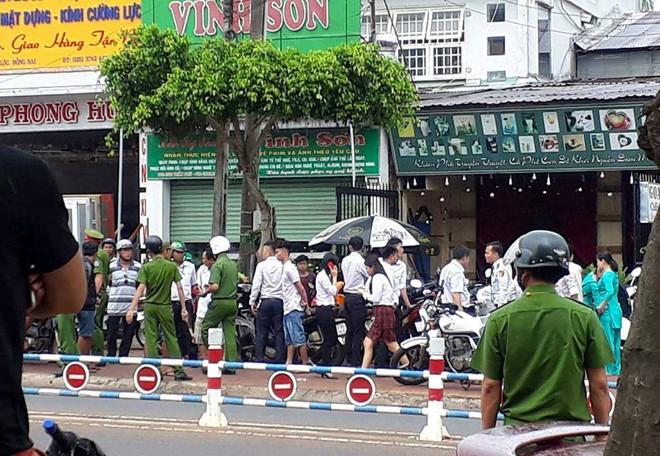 Vụ cướp ngân hàng táo tợn ở Đồng Nai: Xác định chân dung nghi phạm - Ảnh 2.