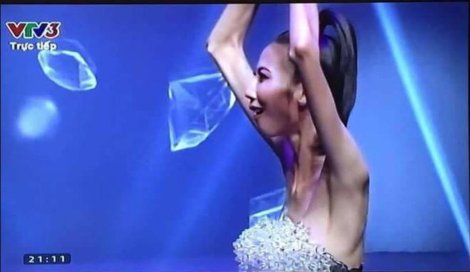 Hình ảnh gây sốc nhất chung kết Next Top, lan truyền mạnh hơn cả thời khắc Kim Dung đăng quang - Ảnh 2.