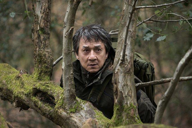 Kẻ ngoại tộc và bước đột phá sự nghiệp ở tuổi 63 của Thành Long - Ảnh 3.