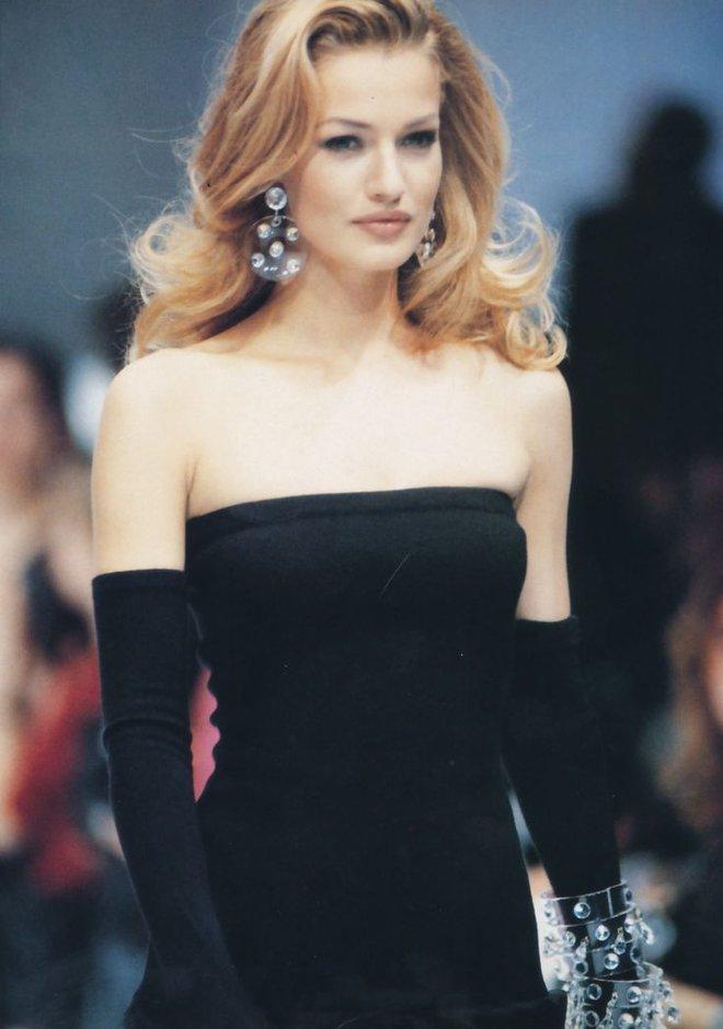 Cuộc đời bi kịch của cựu thiên thần Victoria's Secret: Nhiều lần bị cưỡng bức - Ảnh 2.