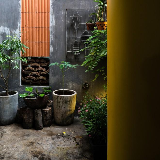 Ngôi nhà trong hẻm của người dân Tp. Hồ Chí Minh đẹp lung linh trên báo Mỹ - Ảnh 10.