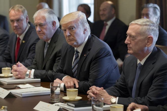 Nhà Trắng cử trợ lý chính trị đến làm tai mắt cho Tổng thống ở các bộ ngành - Ảnh 1.