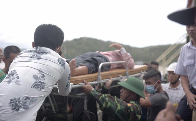 Vụ chìm tàu ở Nghệ An: Đã cứu được 6 người và tìm thấy 2 thi thể mất tích