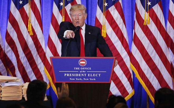 Họp báo như rạp xiếc, Trump và phóng viên CNN đấu khẩu