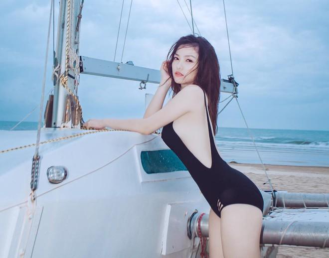 Phong cách sexy của cô gái đẹp nhất phim Việt mặc áo yếm đang gây tranh cãi - Ảnh 7.