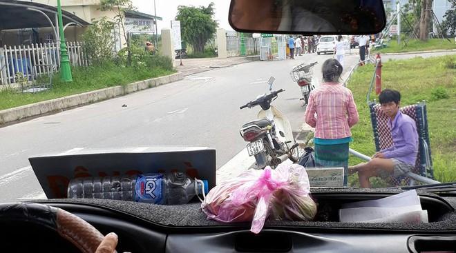 Cậu bé nghèo bị bệnh và hành động bất ngờ của người đàn ông lạ mặt trên chuyến xe khách - Ảnh 3.