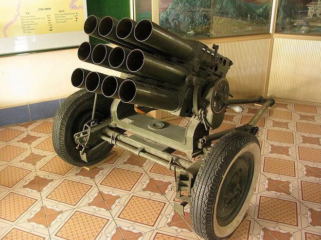 Phương án chế tạo pháo phản lực phóng loạt tự hành từ xe thiết giáp K-63 lưu kho - Ảnh 2.