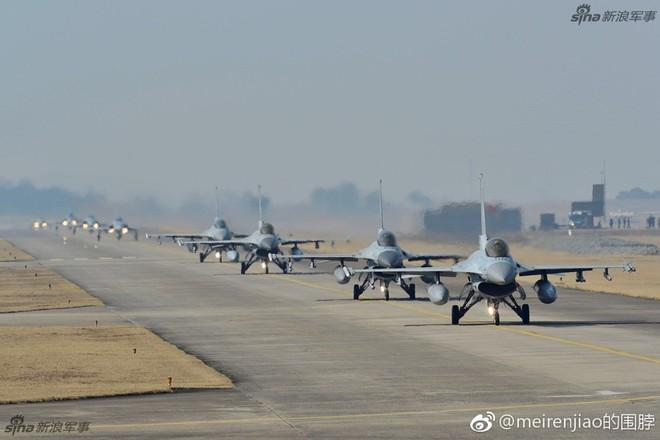Cảnh báo Triều Tiên: Không quân Hàn Quốc trình diễn Voi đi bộ trong tình hình nóng - Ảnh 2.