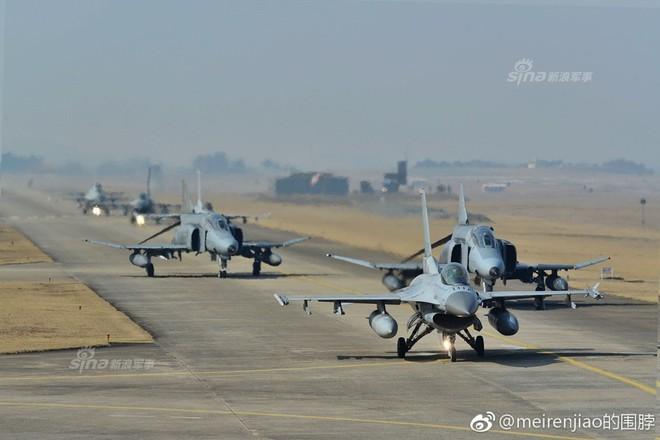 Cảnh báo Triều Tiên: Không quân Hàn Quốc trình diễn Voi đi bộ trong tình hình nóng - Ảnh 1.