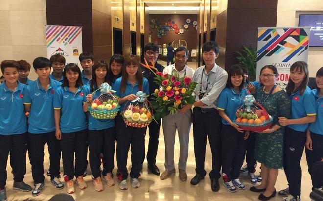 Livestream: Đội bóng đá nữ Việt Nam về nước trong vòng tay người hâm mộ
