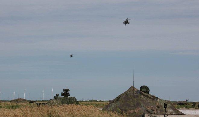 Trực thăng vũ trang Z-9 và Z-10 được huy động tham gia cuộc tập trận