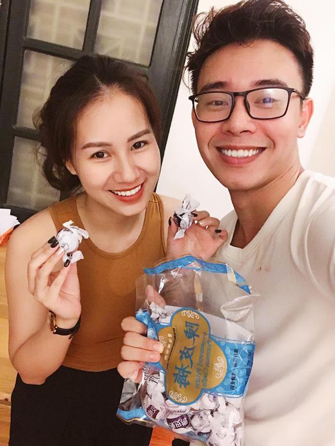 Đông Hùng công khai bạn gái xinh đẹp sau vụ nợ nần bạc tỷ - Ảnh 1.