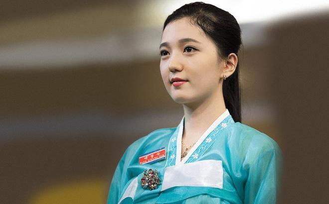 Những bóng hồng Triều Tiên lộng lẫy trong các nhà hàng sang trọng trên thế giới
