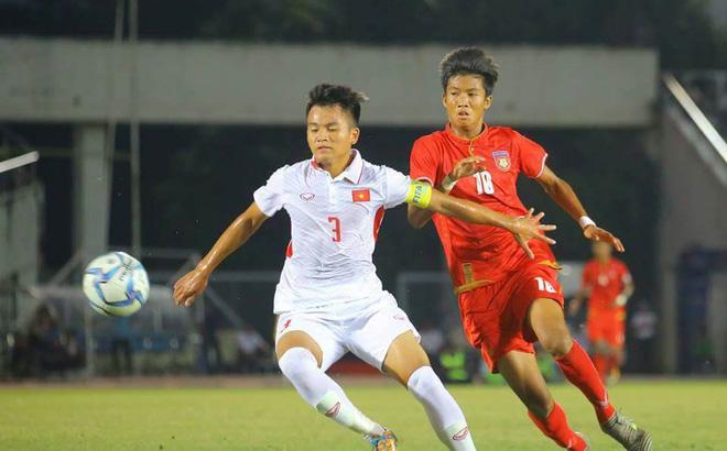 CĐV đau đớn, nêu ý kiến phải mời Van der Sar về dạy thủ môn Việt Nam chơi bóng