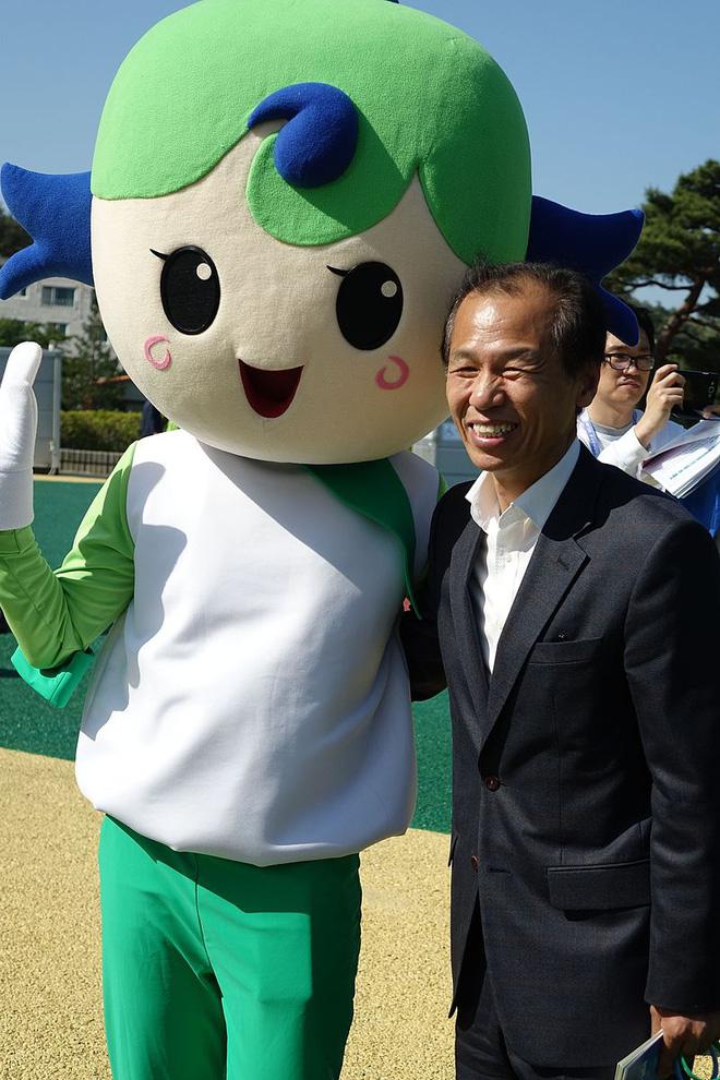 Xuân Trường nhận tin quan trọng từ Thống đốc tỉnh Gangwon - Ảnh 1.