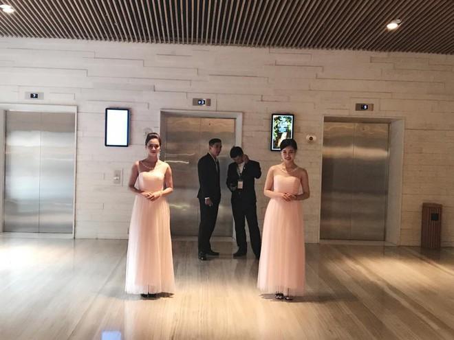 [TRỰC TIẾP] Toàn cảnh đám cưới Đặng Thu Thảo: Không gian cưới lộng lẫy như truyện cổ tích - Ảnh 15.