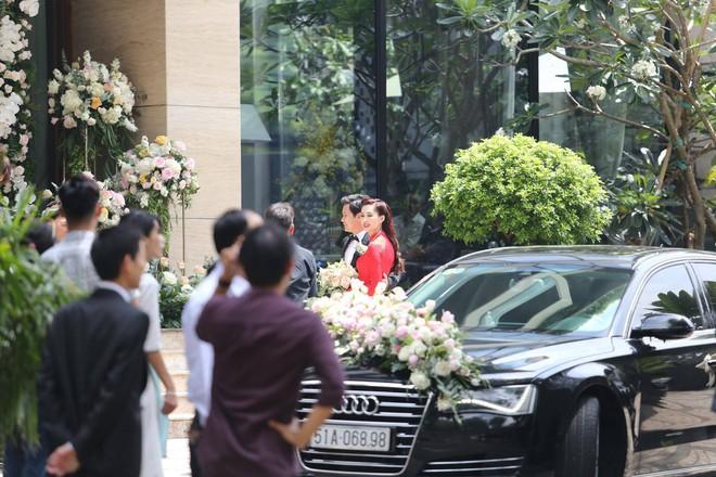 Toàn cảnh đám cưới Đặng Thu Thảo: Không gian cưới lộng lẫy như truyện cổ tích - Ảnh 25.