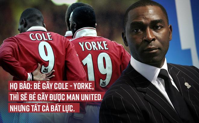 """Bị Arsenal đuổi thẳng cổ, """"phải lòng"""" Dwight Yorke và làm nên lịch sử cùng Man United"""