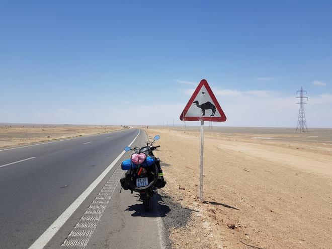 Chàng trai phượt bằng xe máy từ Việt Nam, vượt 20 nghìn km qua 23 quốc gia trong 150 ngày - Ảnh 10.